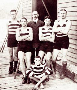 1911-12 First winning crew cmyk